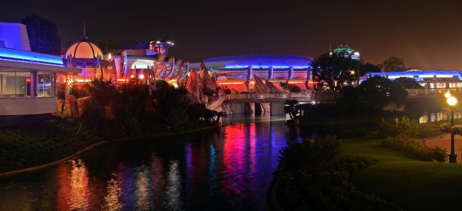 cropped-outside-look-of-tomorrowland-dw.jpg