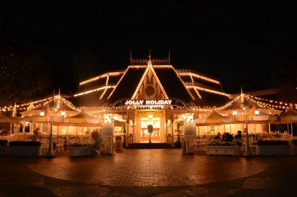 Jolly Holiday at night