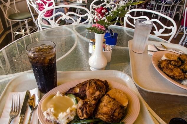 Plaza Inn table