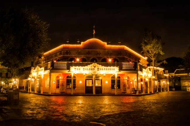 Golden Horseshoe night