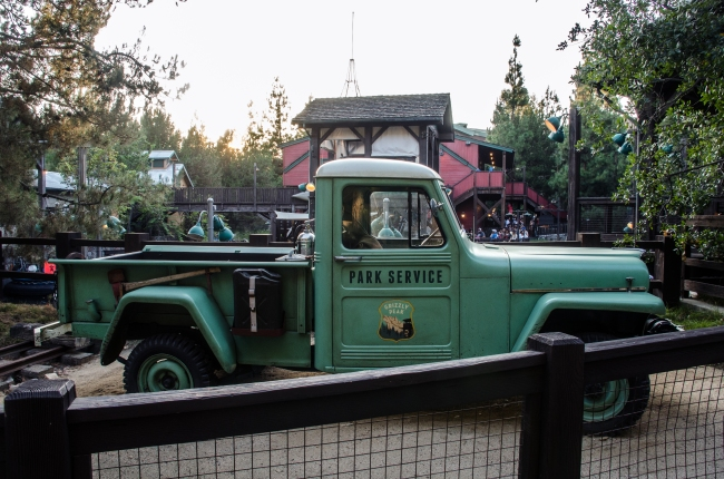 Grizzly Park Service truck