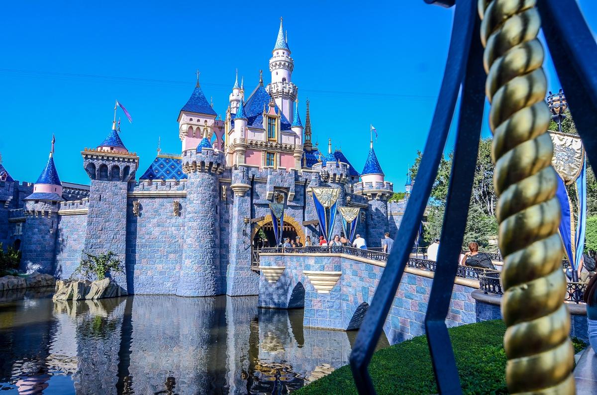 FastPass Guide to Disneyland